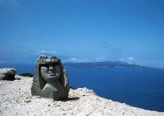 https://www.tokaikisen.co.jp/island/niijima/img/spot-12.jpg